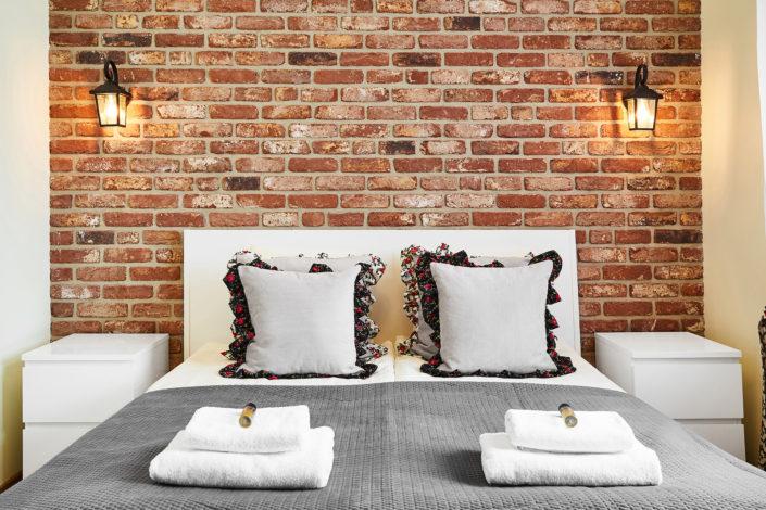 sypialnia z cegla